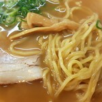 華 - 麺とチャーシュー、メンマ