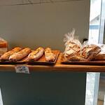猿田彦珈琲 - オキーニョのパンを販売