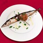 Italian bar Jurio - 骨まで食べれる丸一匹サンマのコンフィー(1,200円)