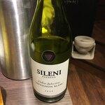 餃子バル - シレーニ べたなニュージーランドワイン