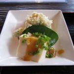 信濃屋 - ごま豆腐のおから添え