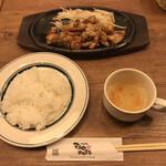 鉄板焼天神ホルモンplusGOCHISOU - ホルモンセット=1089円 税込