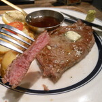 124286300 - サーロインステーキのお肉