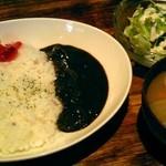 12429475 - カレー、サラダ、豚汁