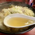 元祖支那そば信吉屋 - あっさり味のスープ