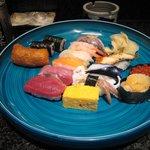 みなと寿司 - ランチの大漁にぎりです。