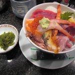 みなと寿司 - ランチの海のちから丼です。