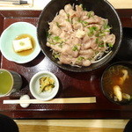 あま屋 - ランチメニューの 塩豚丼