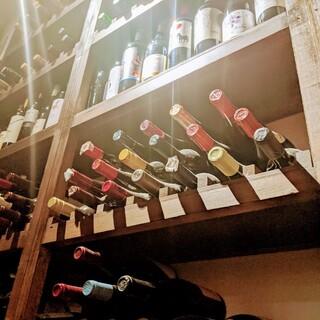 常時50種類以上のワインをソムリエがサービス致します♬