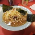 ラーメンショップ - 料理写真:ネギラーメン半ライスセット750円