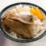 いのたに - ライス小(税込150円)※写真は中華そぼの肉のせ