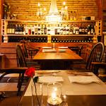 LOVE ワインとビストロのお店 - テーブル