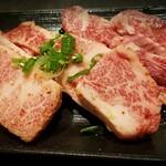 焼肉レストラン平城 -  和牛カルビ¥850
