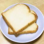 インストアベーカリー - 料理写真:国産小麦のもっちりホテル食パン