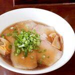 吉田 - チャーシュー麺