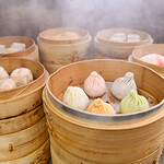 龍江飯店  - 五色小籠包 蒸しているところ