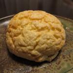 茶の子 - クッキーパン(230円)