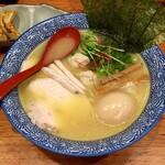 赤坂麺処 友 - 特製濃厚鶏塩ラーメン