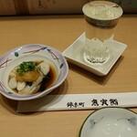 魚寅鮨 - 牡蠣ぽん酢&冷酒