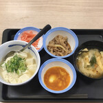 松屋 - 牛皿チョイス玉子かけごはん290円、湯豆腐変更50円
