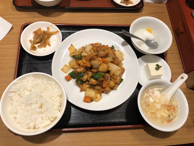 個室中華バル 食べ放題 吉祥餃子や 神田店の料理の写真