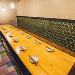肉菜炭火屋 ミヤビ - テーブルを繋げて団体様のご案内も可能です。