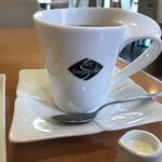 CAFE Suginoki - ドリンク写真:持ちやすいカップ