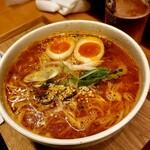 麺と酒 からなり - ユッケジャンラーメン(2辛) 820円