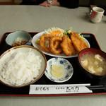 丸の内食堂 - ミックスフライ定食 730円