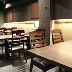 とんかつ 檍 札幌 - 2階テーブル席33席