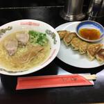 大珉 - 料理写真:中華そば、餃子