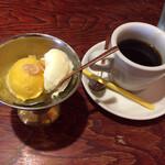 ガナパティババ - マンゴーシャーベットとバニラアイスとコーヒー