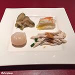 124389721 - 海老餃子、棒棒鶏、搾菜、白菜甘酢漬