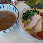 らーめん兜 - 特製魚貝つけ麺¥880