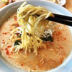 長城 - 麺は細めでしっかりした噛み応えあり