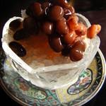 ゆーゆーらーさん - 沖縄で標準の氷ぜんざい。 小豆の粒がしっかりしてて、美味しい(*^_^*)