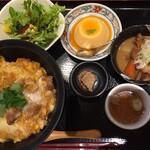 秋田比内地鶏生産責任者の店 本家あべや - 比内鶏親子丼御膳並盛り