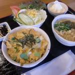 芋喰島 - ミニ丼セット700円