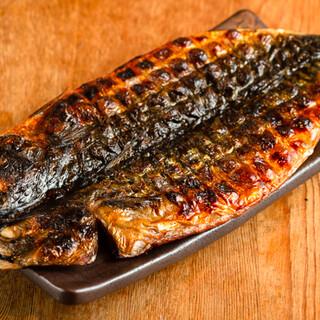 魚の干物や銘柄鶏の炭火焼、飲み放題付のお得な宴会コースも♪