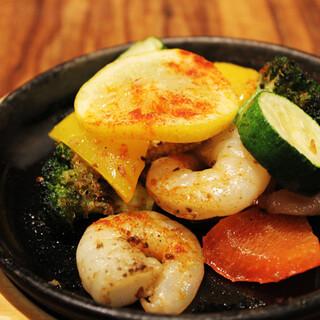ゴロゴロ野菜とガーリックシュリンプ