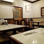 レストランオオタニ - 喫煙席光景。