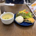 カフェ ジョリオン - キッシュ、サラダ、スープ