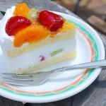 アランチャ - フルーツのショートケーキ