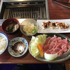 Nagahamayakiniku - 料理写真:カルビ定食=880円 税別 単品ホルモン=680円 税別→右上