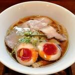 124463410 - 「醤油しき麺&濃厚玉子トッピング」850円
