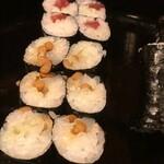 勝美寿司 - 三色巻き