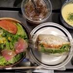 124469470 - RBセット(890円)(お好きなパン(320円以内-バードッグサンド)/サラダ/スープ/ドリンク)