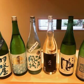 """お料理にそっと寄り添って。選び抜いた""""日本酒""""は至高が揃う。"""