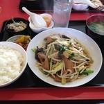 12447324 - ニラレバ定食(800円)