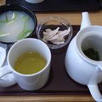 アジアンティー 一茶 - 文山包種茶[青茶]&お粥+蒸し鶏トッピング